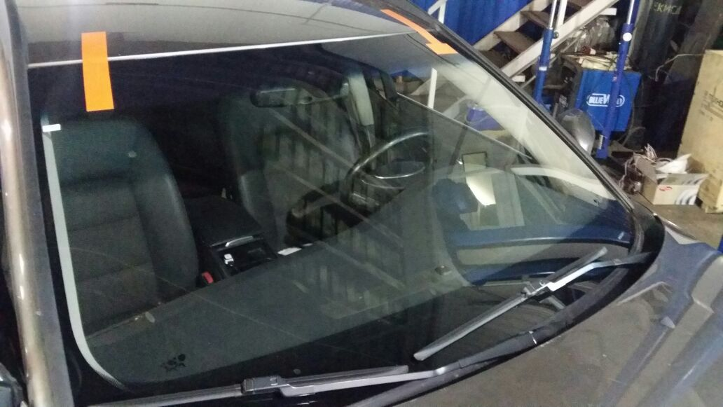 Замена лобового стекла на вольво xc70